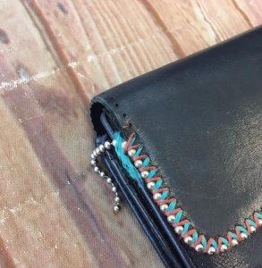 財布の縫製外れ