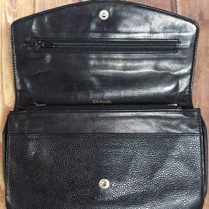 ホックと財布内部